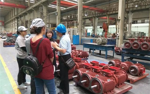 西重所部门领导在西安西玛电机有限公司总厂车间调研