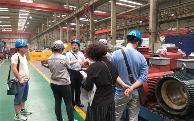 西重所领导与西玛电机工程技术人员作相关探讨
