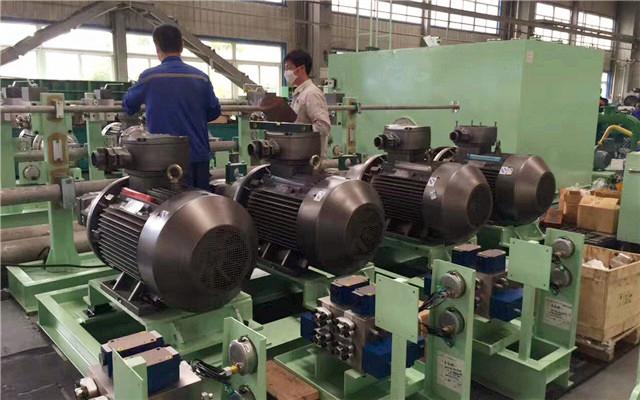 国家工程技术研究中心工作人员现场调试装配西玛电机